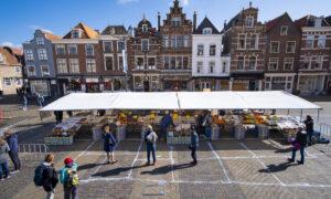 Markt Delft met Corona vakken