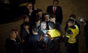 Turkse minister Kaya uitgezet