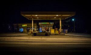 Een Mercedes oldtimer wordt geëxporteerd naar Polen